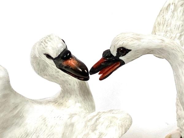 Pair of Meissen swans - image 2