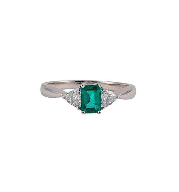 Emerald Diamond Ring in 18ct White Gold date circa 1980 SHAPIRO & Co since1979 - image 1
