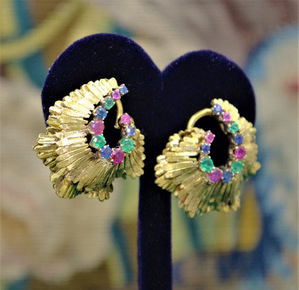 A very fine pair of Sapphire, Ruby & Emerald Earrings set in 18ct Yellow Gold, English, Circa 1980 - image 2