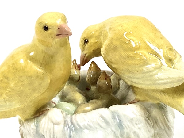Meissen group of canaries - image 3