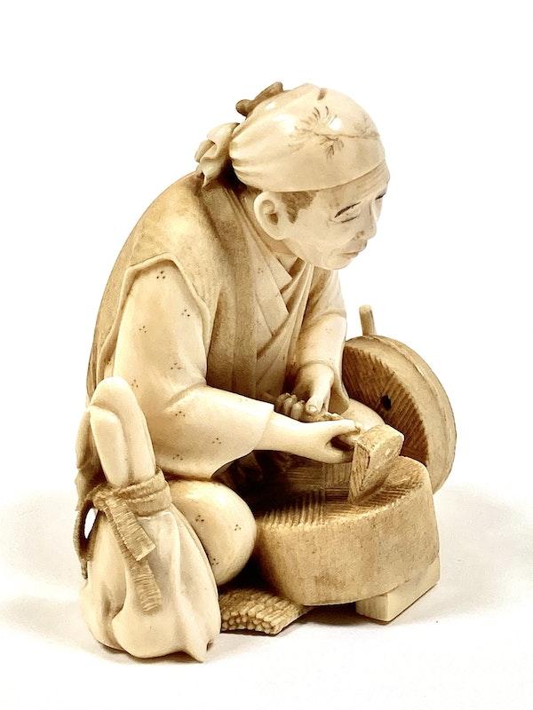 Okimono of an artisan - image 4