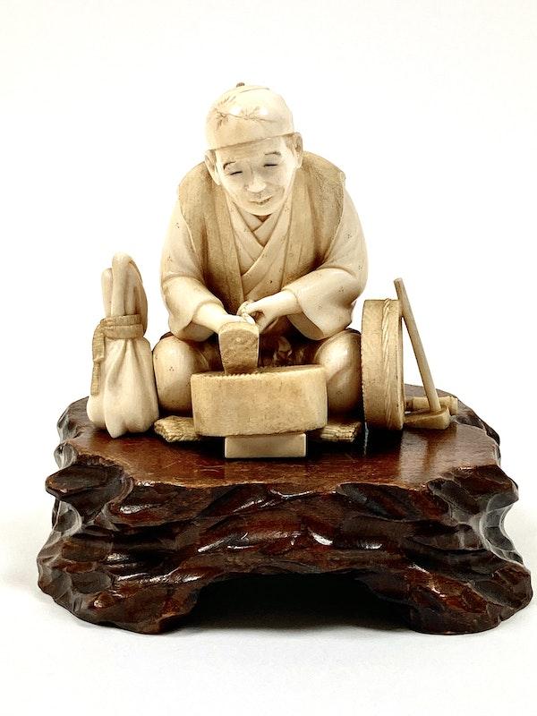 Okimono of an artisan - image 2