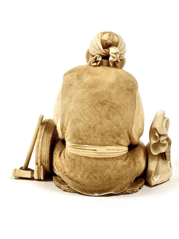 Okimono of an artisan - image 5