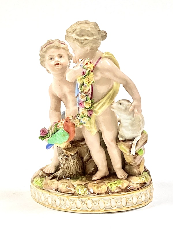 Meissen group of putti - image 3