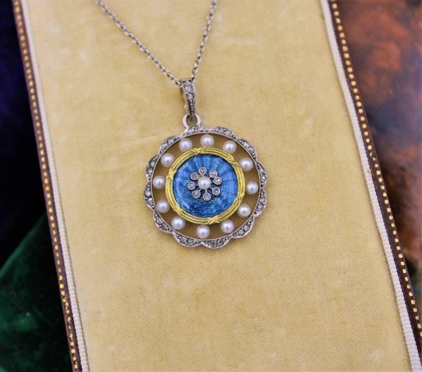 A very fine Edwardian Blue Enamel, Pearl & Diamond Pendant in 18ct Yellow Gold & Platinum, English, Circa 1905 - image 1