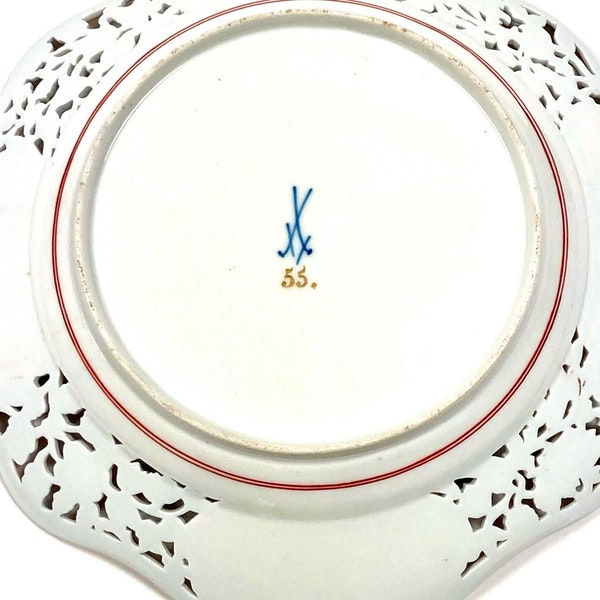 Pair of reticulated 19th century Meissen plates - image 7