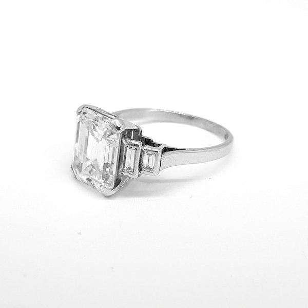 Original Art Deco Emerald Ring in Platinum - image 2