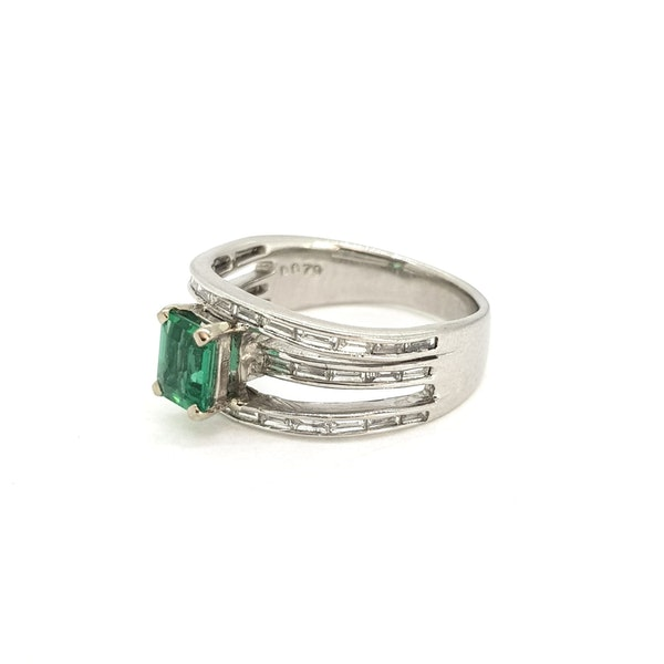 Emerald and Diamond ring - image 3