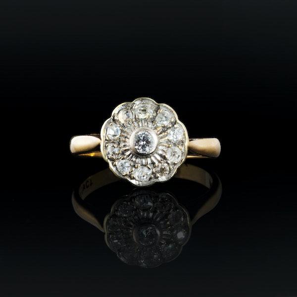 A Platinum Diamond Daisy ring - image 1