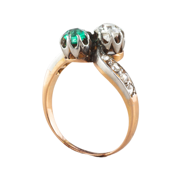 An Emerald and Diamond Toi et Moi ring - image 2