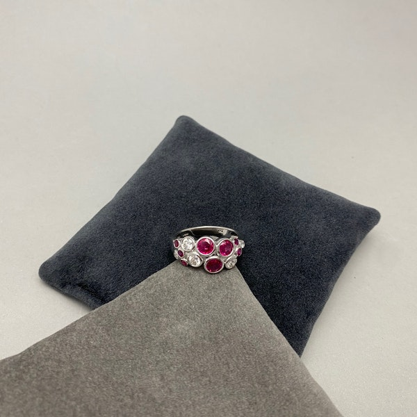 Ruby Diamond Ring in 18ct White Gold date circa 1990 SHAPIRO & Co since1979 - image 3