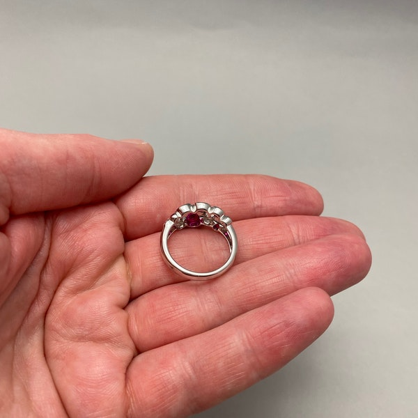 Ruby Diamond Ring in 18ct White Gold date circa 1990 SHAPIRO & Co since1979 - image 5