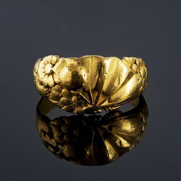 A Gold Sunbeam ring - image 1