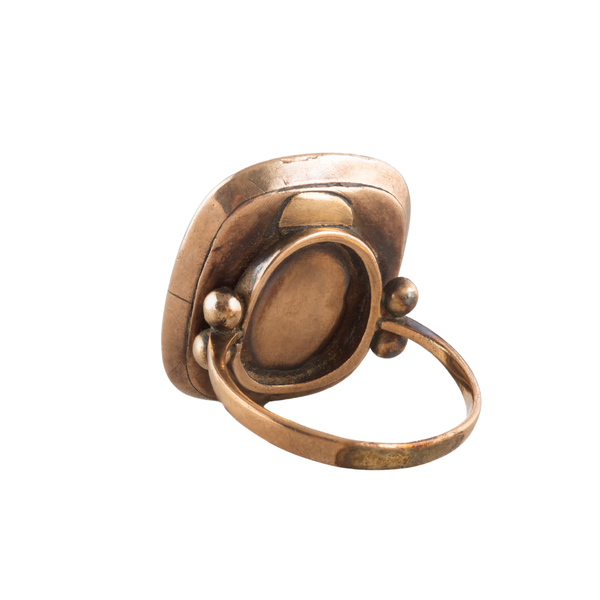A Topaz and Pearl Gold ring - image 2