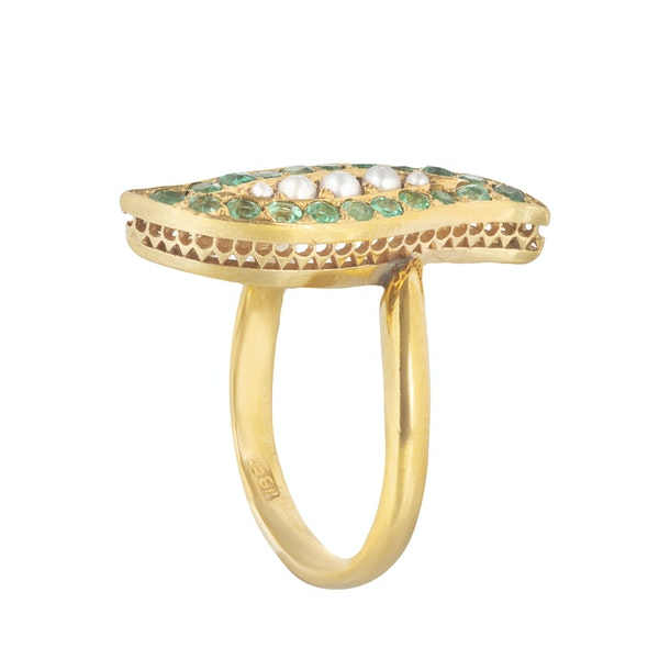 An Emerald Pearl, and Gold ring - image 2