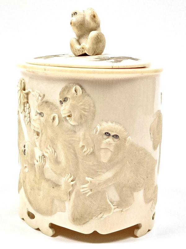 Japanese Ivory box and cover - image 2