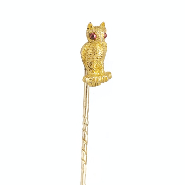 A Gold Owl Tie Pin with Ruby Eyes - image 2