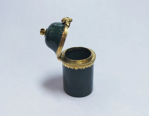18th century carved blood stone gold-mounted vessel - image 2