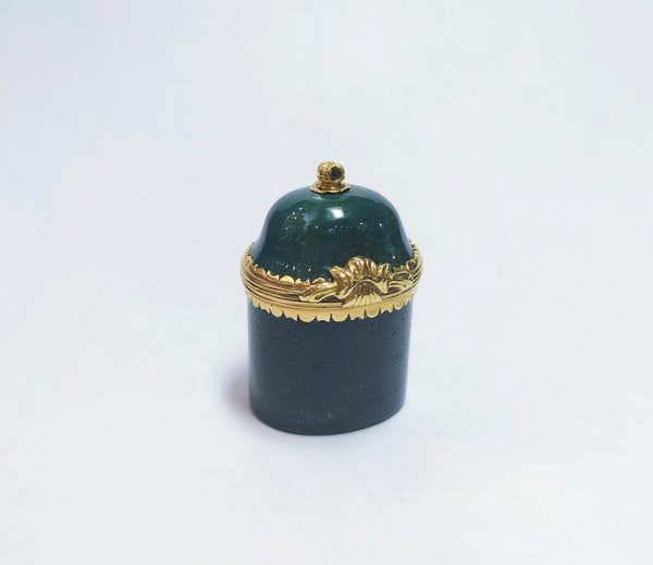 18th century carved blood stone gold-mounted vessel - image 1