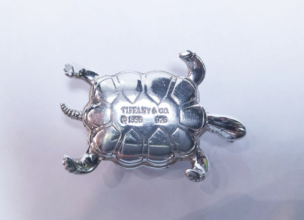 Tiffany and Co silver paperweight in the form of a tortoise - image 2