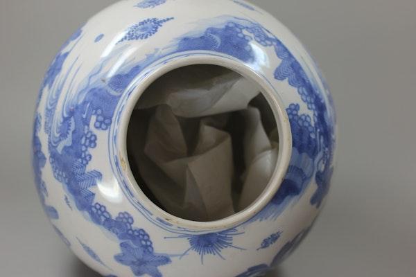 Frankfurt blue and white vase, 18th century - image 4