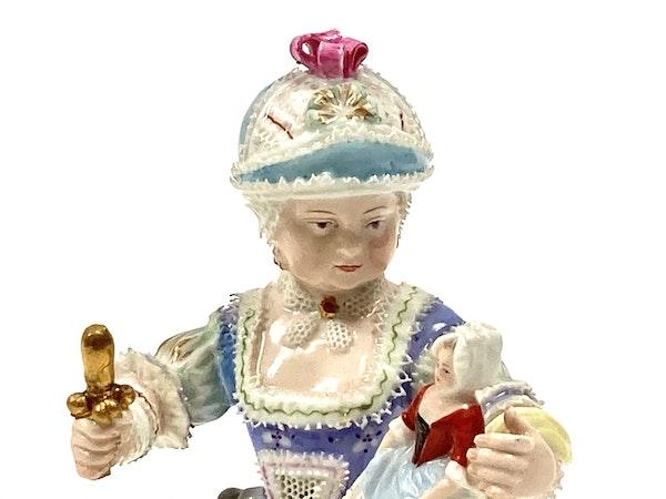 Meissen figure of girl - image 5