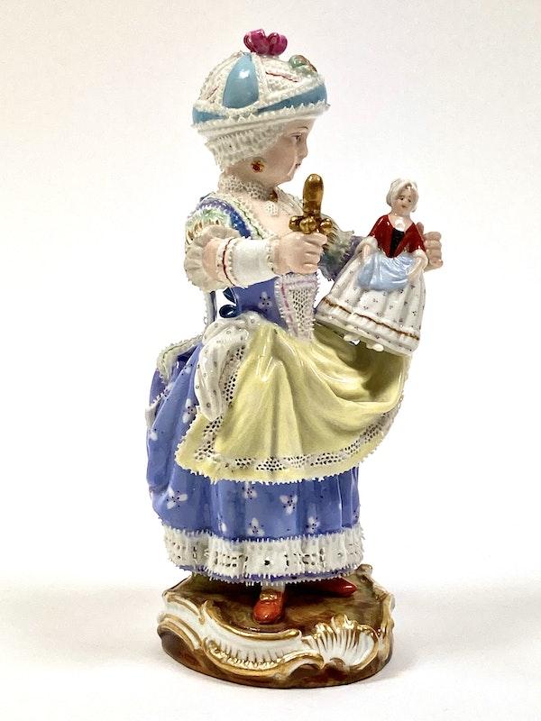 Meissen figure of girl - image 2