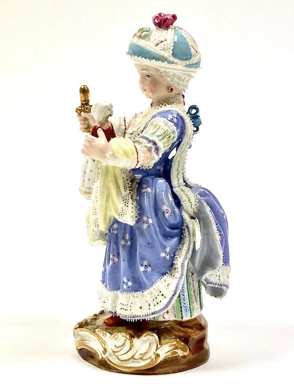 Meissen figure of girl - image 3