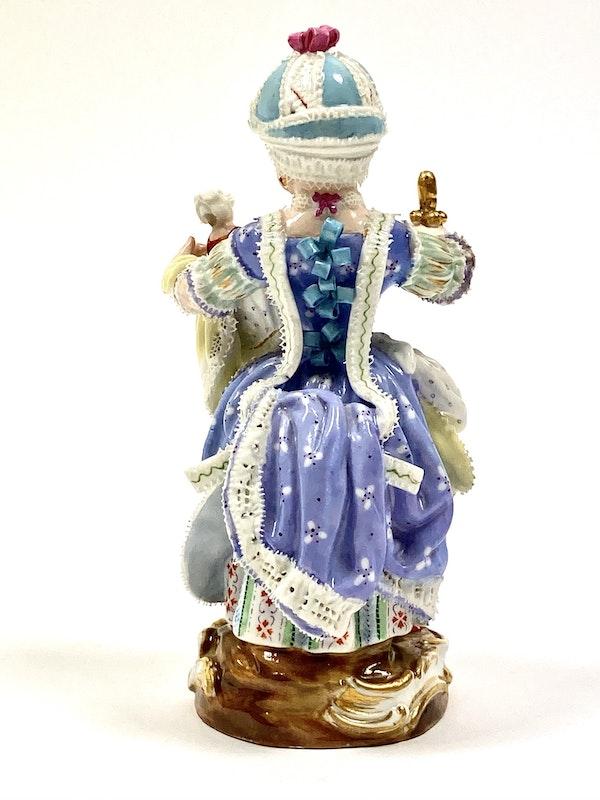 Meissen figure of girl - image 4