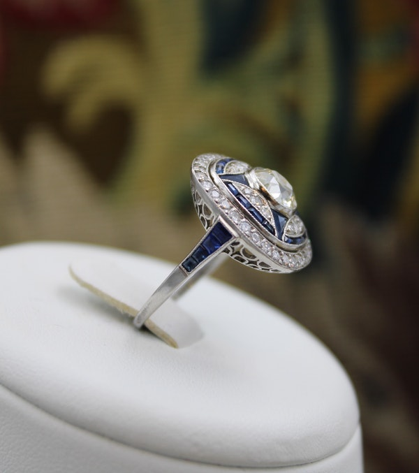 """A very substantial """"Art Deco"""" style Oval Diamond and Sapphire Plaque Ring, Mid to late 20th century. Pre-owned - image 4"""