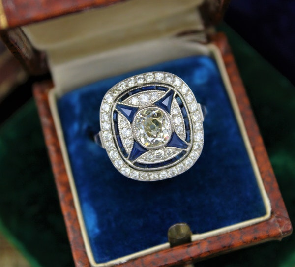 """A very substantial """"Art Deco"""" style Oval Diamond and Sapphire Plaque Ring, Mid to late 20th century. Pre-owned - image 1"""