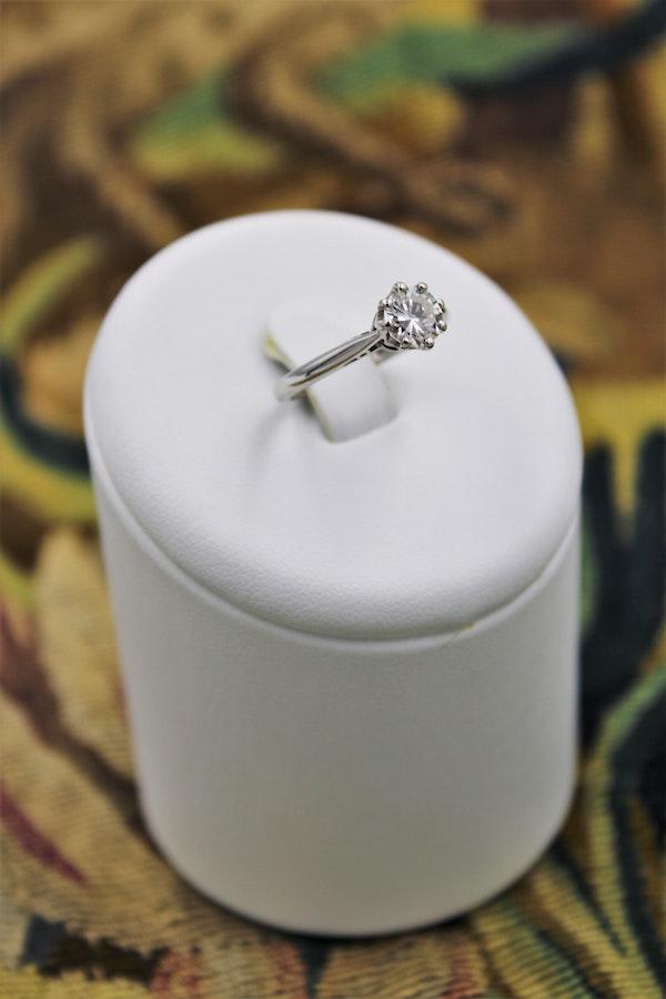 A very fine Asprey's Diamond Solitaire Ring set in 18ct White Gold, English, Circa 1980 - image 1