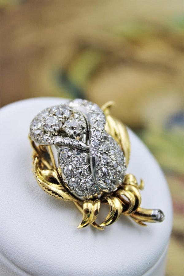 A very fine Petochi Diamond Rose Brooch set in 18ct Yellow Gold, Circa 1930 - image 3