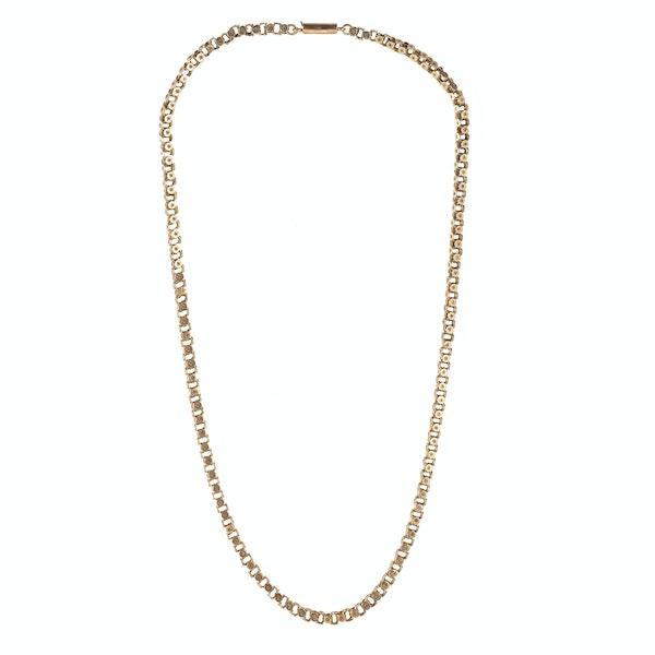 A Nine Carat Gold short Chain - image 1