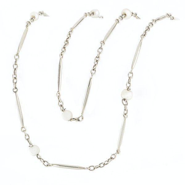 A French Gold and Pearl Chain - image 2