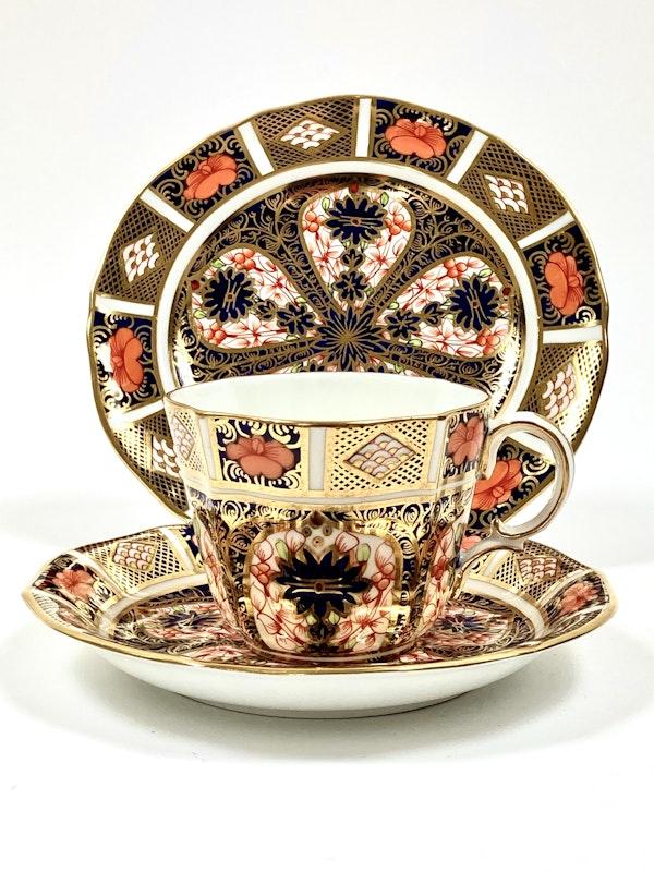 Royal Crown Derby tea service - image 2