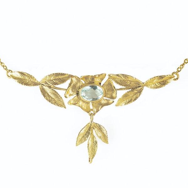 An Aquamarine Gold Necklace - image 2