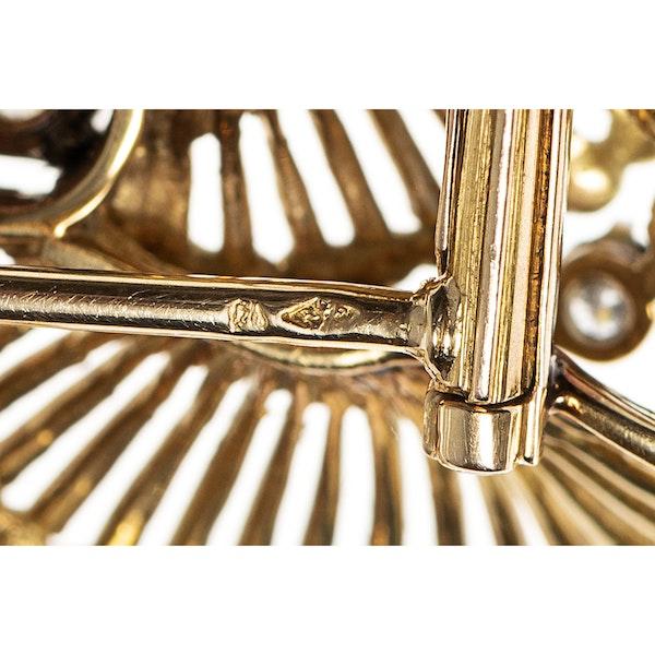 Vintage Gold & Diamond Catherine Wheel Brooch, French circa 1950 - image 4