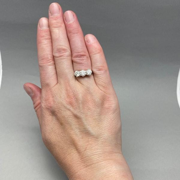 Three stone Diamond Ring in Platinum date circa 1960 SHAPIRO & Co since1979 - image 2