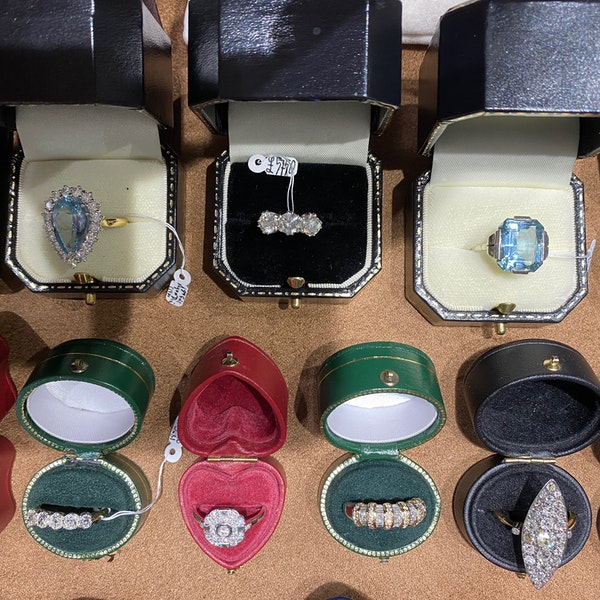 Three stone Diamond Ring in Platinum date circa 1960 SHAPIRO & Co since1979 - image 8