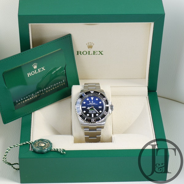 Rolex Deepsea Sea-Dweller 126660 James Cameron D-Blue Dial - image 8