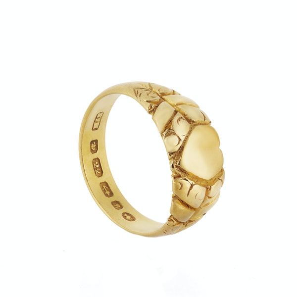 A Twenty-Two Carat Gold Heart Ring - image 2