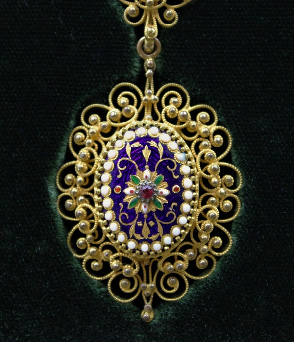An exquisite Gilt metal Necklace with finely worked Bressan Enamel panels surrounded by Gilded filigree work in the Cannetille style with a detachable Pendant, French, Circa 1870 - image 4