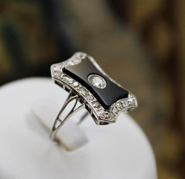 A very fine Art Deco Black Onyx & Diamond Plaque Ring set in Platinum, Circa 1930 - image 3