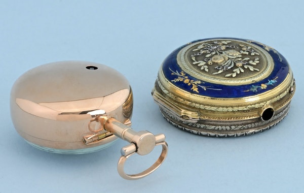 THREE COLOUR GOLD AND ENAMEL PAIR CASED SWISS VERGE - image 3