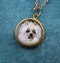 """A very fine """"Essex Crystal"""" Pendant depicting a Dog set in 15ct Yellow Gold, English, Circa 1890 - image 2"""