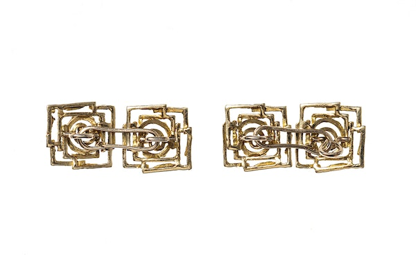 Vintage Cufflinks of Abstract Design in 18 Carat Gold - image 3