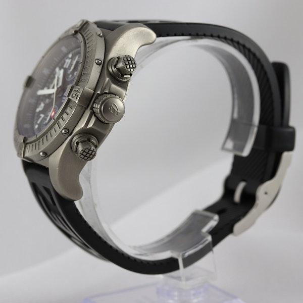 Breitling Avenger Chronograph titanium E13360 44mm - image 3