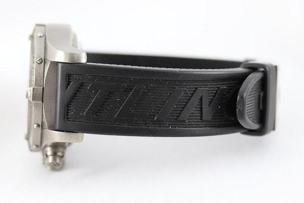 Breitling Avenger Chronograph titanium E13360 44mm - image 6