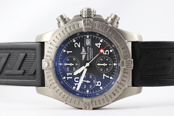 Breitling Avenger Chronograph titanium E13360 44mm - image 9